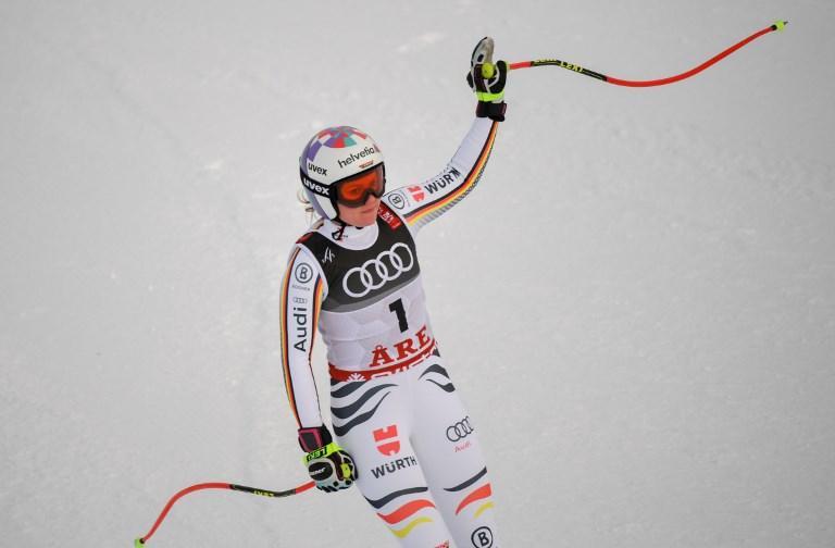 Non arrivano gioie per l'Italia dalla discesa femminile del Mondiale di Aare: Sofia Goggia ha deluso chiudendo in 15.esima posizione a +1.02 dalla vincitrice Ilka Stuhec. Grande prova per la slovena che si è confermata sul tetto del mondo dopo il successo di due anni fa a St. Moritz davanti alla svizzera Suter. Splendida medaglia di bronzo per Lindsey Vonn (+0.49) all'ultima gara della carriera.. Sesta l'azzurra Delago e migliore delle nostre.