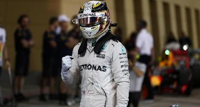 F1, GP Bahrain: Hamilton in pole position con un giro super