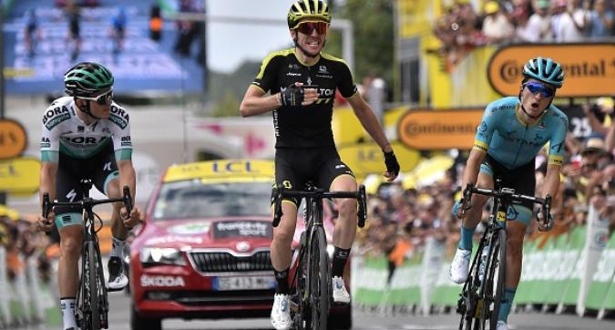 Tour de France, Simon Yates vince la prima tappa pirenaica, Alaphilippe resta maglia gialla, Nibali si stacca ancora