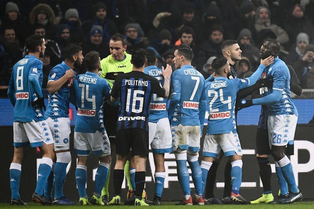 Inter-Napoli, due espulsioni e scintille nel finale