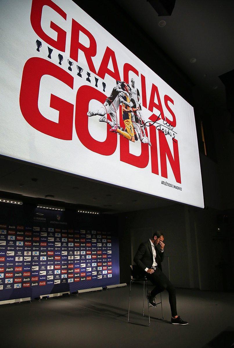 Godin saluta l'Atletico in lacrime