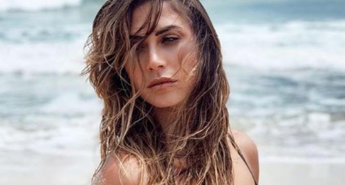 Il bikini di Melissa infiamma l'estate