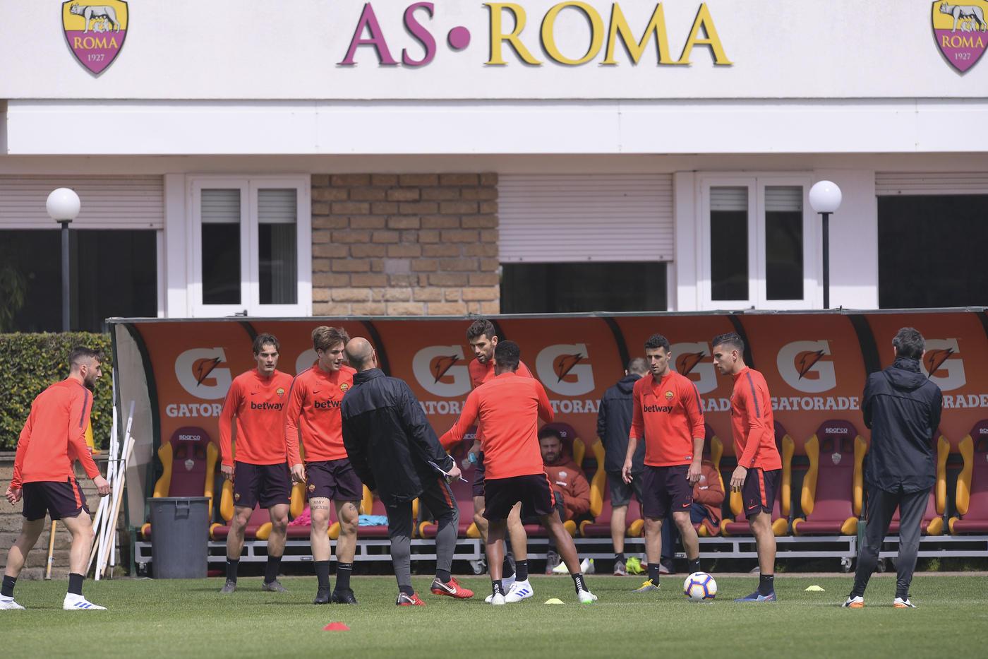 Zaniolo, la Champions, Dzeko: Sampdoria ultima chiamata per la Roma di Ranieri.