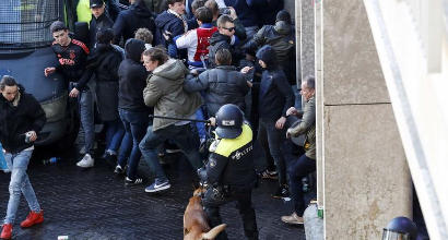 Juve-Ajax: fermati tifosi olandesi in possesso di armi e petardi
