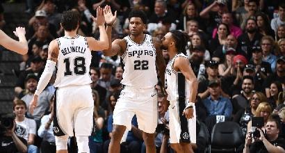 Basket, playoff Nba: gli Spurs di Belinelli sorprendono Denver, Gallinari ko contro Golden State