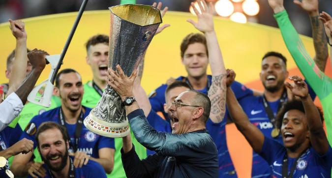 Sarri come Vialli e Di Matteo: al Chelsea è il terzo trofeo