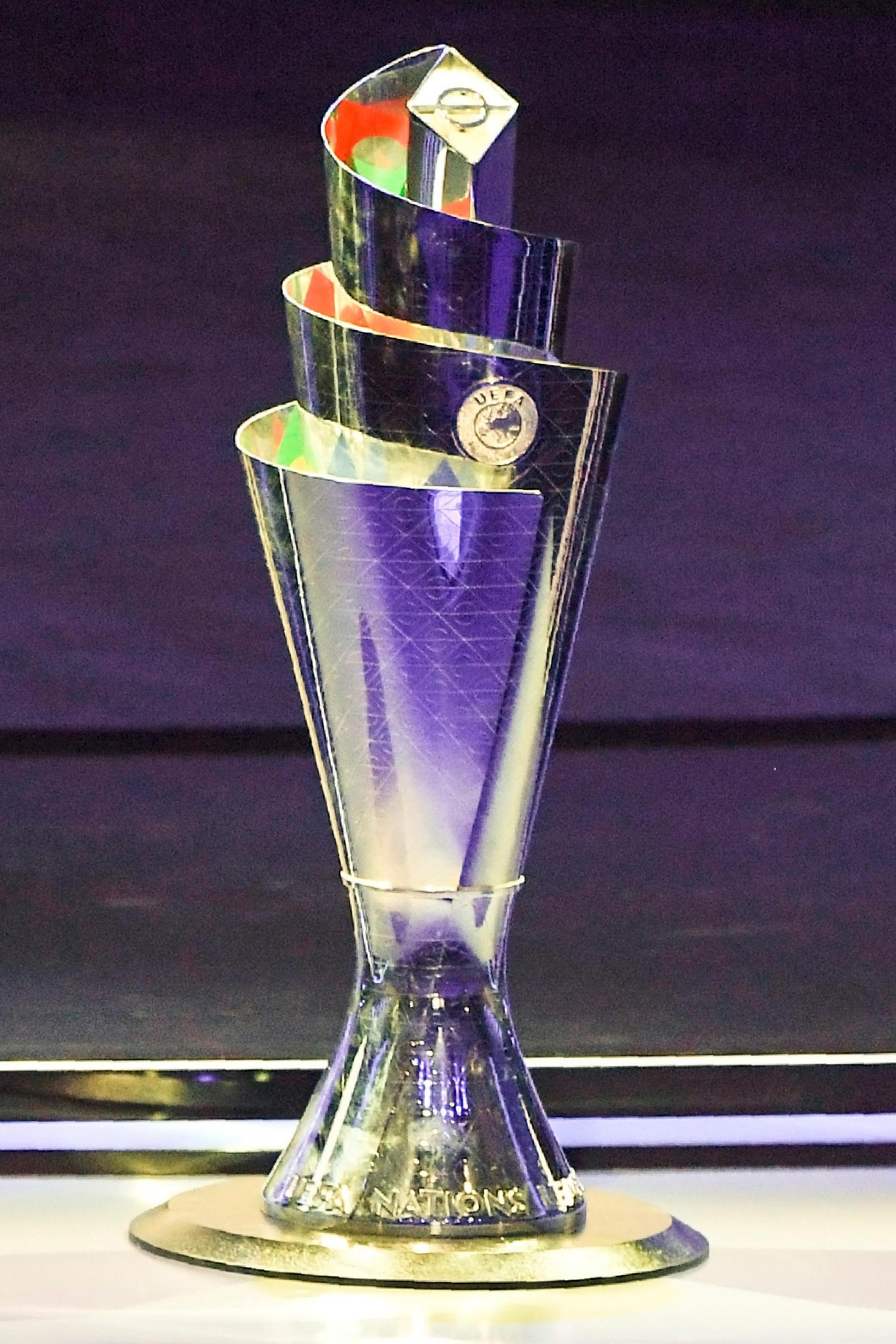Una nuova coppa da mettere in bacheca: ecco il trofeo che alzeranno al cielo i vincitori della Uefa Nations League.<br /><br />