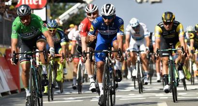 Tour de France: quarta tappa a Gaviria, resta giallo Van Avermaet