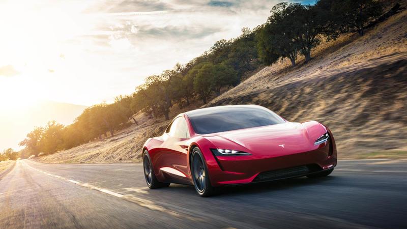 Tesla, sportive e... camion