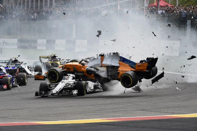 Incindente tremendo per Fernando Alonso durante il Gp del Belgio (26 agosto)
