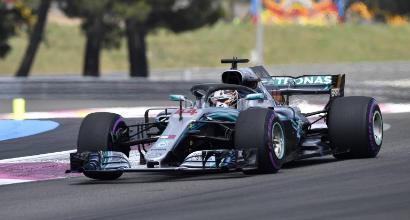 Vettel fa la trota, Hamilton ringrazia per il regalo