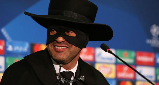 Roma, Fonseca e quel travestimento da Zorro