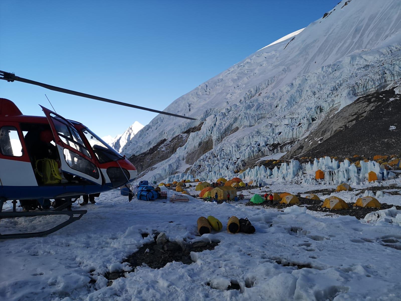 Alpinismo, Folini sul tetto del mondo
