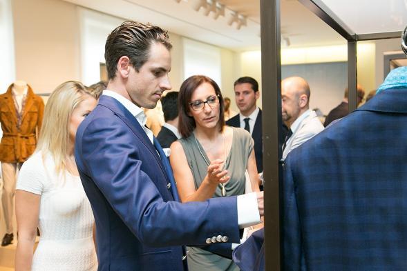 Sutil con la fidanzata e Manuela Miola, direttore marketing e comunicazione di Pal Zileri, Foto Foto dal web