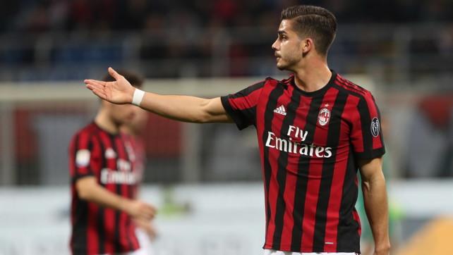 Milan, beffa clamorosa: salta la cessione di André Silva al Monaco