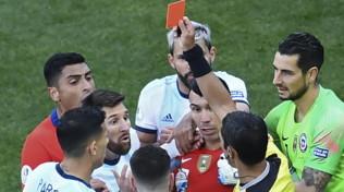 Argentina, squalifica di una giornata e 1500 dollari di multa per Messi