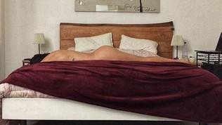 Valentina Vignali, è un nudo artistico