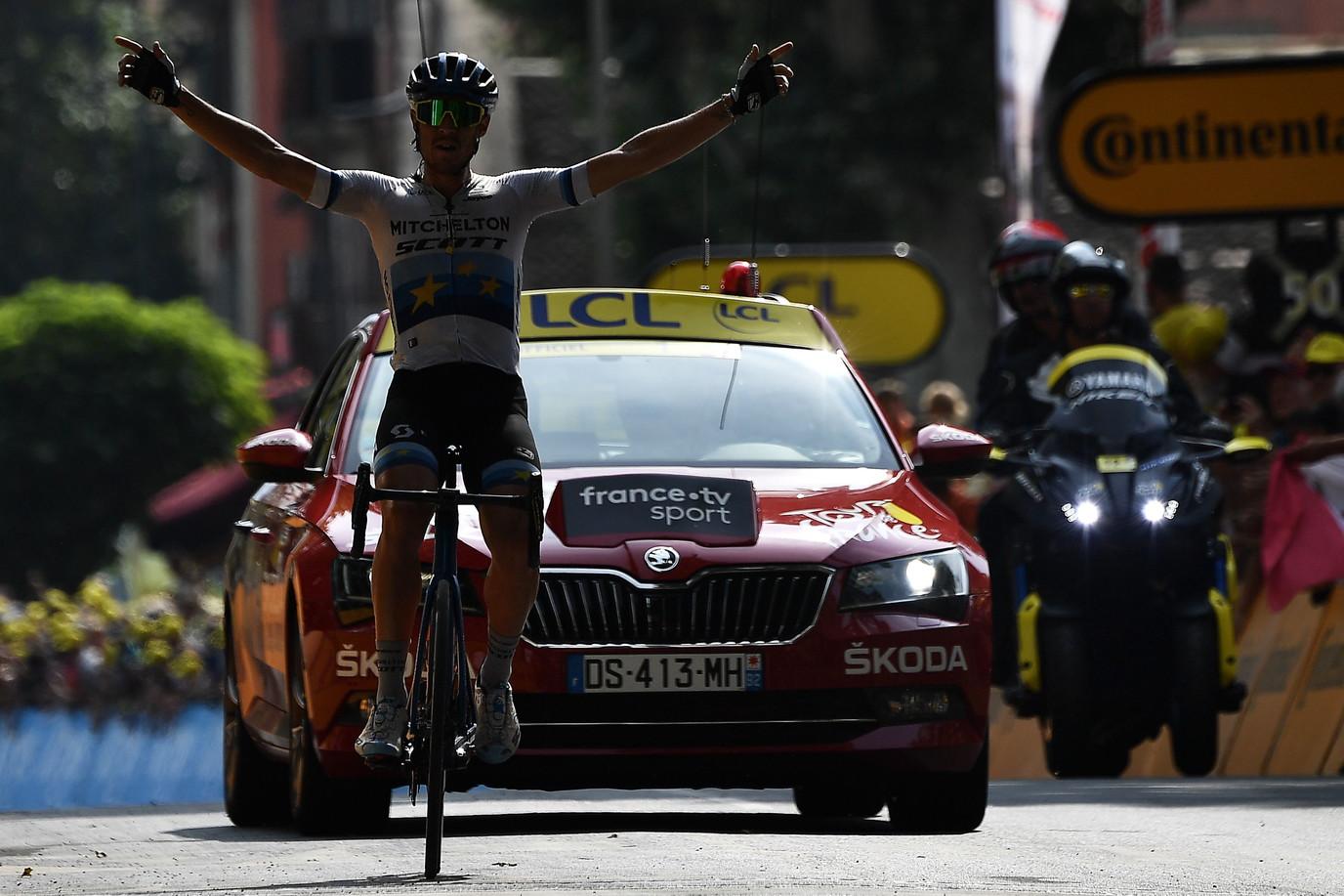 La 17.a tappa del Tour de France parla italiano: è Matteo Trentin a vincere sul traguardo di Gap, dopo una giornata passata tutta in fuga e lo ...