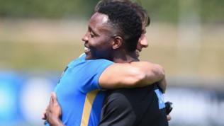 """Inter, Asamoah saluta Conte: """"Felice di rivederti mister"""""""