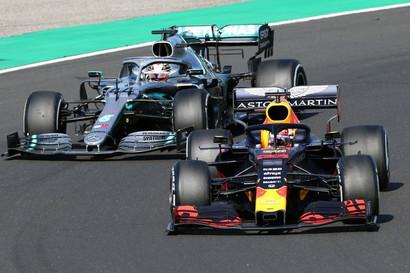 Vittoria per l'inglese della Mercedes.