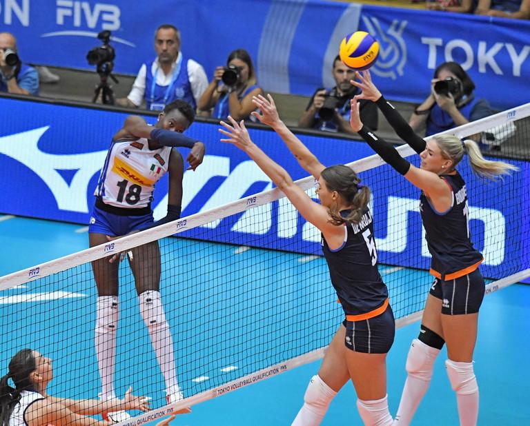 Le ragazze di Mazzanti battono 3-0 l'Olanda e staccano il pass olimpico