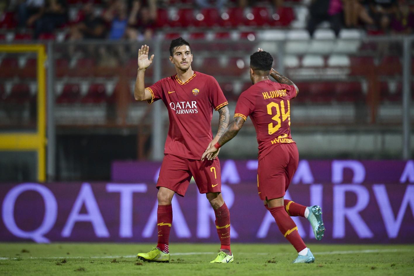 All'ottava amichevole, laRomasi ferma. Dopo sette vittorie, a Perugia i giallorossi pareggiano 2-2 contro l'AthleticBilbao. Grazie a un errore di Diawara, i baschi passano con Muniain (26'). Nel giro di due minuti la Roma pareggia con Kolarov (59') e si trova con l'uomo in più per il rosso a Berchiche, ma l'Athletic segna su rigore con Raul Garcia al 78'. Un penalty inesistente realizzato da Pellegrini (91') regala il pari alla squadra di Fonseca.