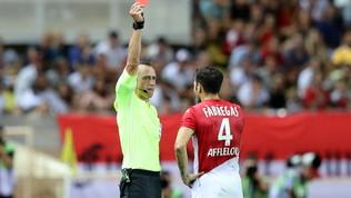 Monaco-Lione, Fabregas espulso al 30' grazie al Var