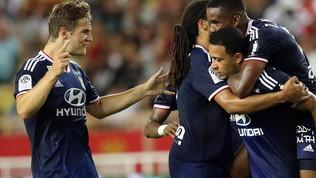 Ligue 1, Monaco-Lione 0-3, Fabregas espulso, Sylvinho parte bene