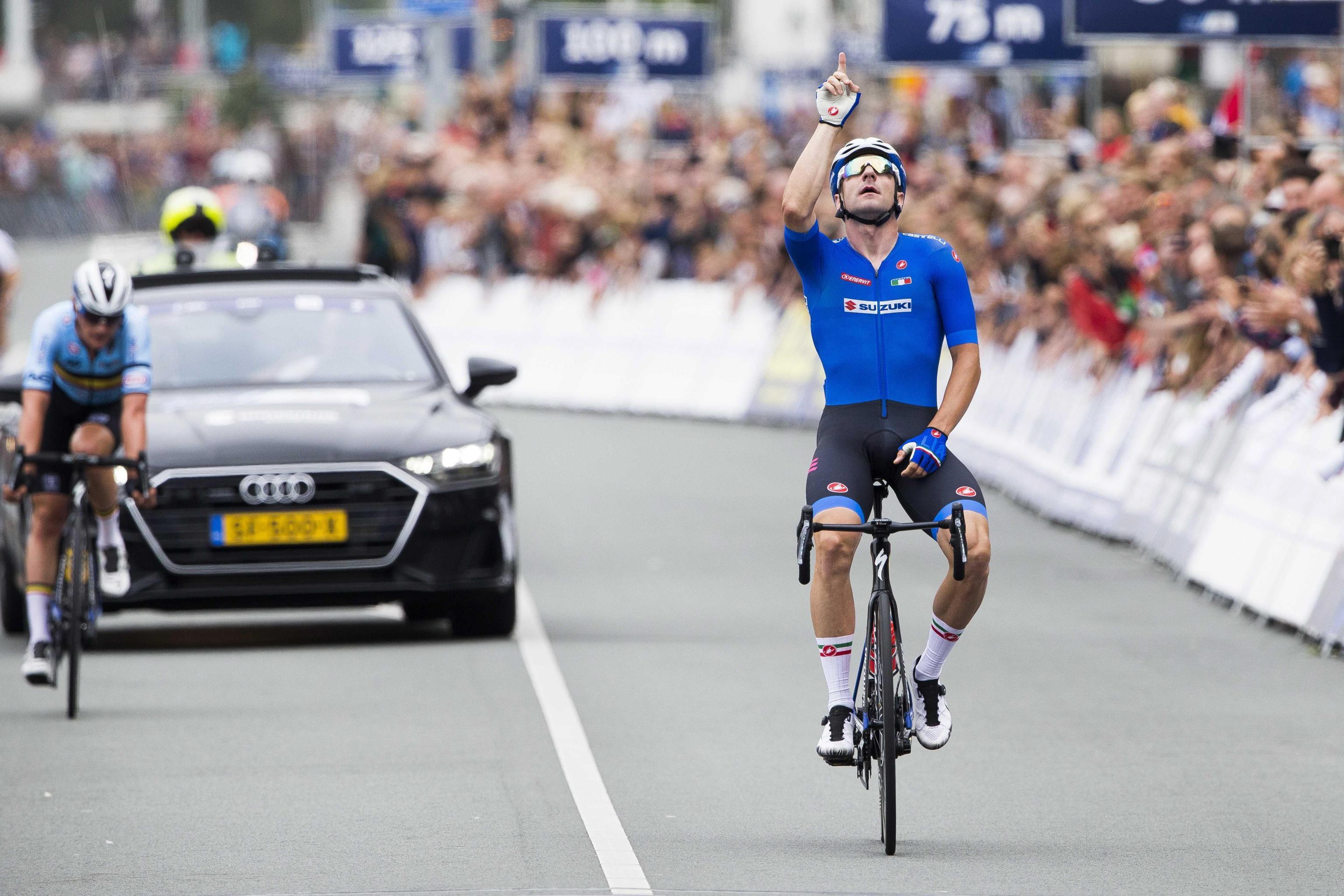 Elia Viviani ha vinto la medaglia d'oro nella prova in linea individuale su strada ai Campionati europei di ciclismo in svolgimento ad Alkmaar, in...