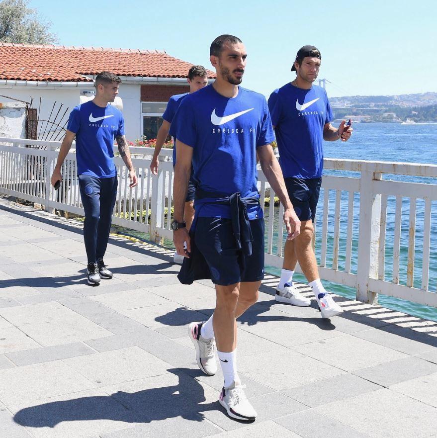 Il Chelsea è già atterrato a Istanbul nella notte di Lunedì. I Blues di Lampard affronteranno il Liverpool nella finale di Superc...