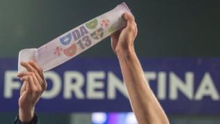 Fiorentina, la Lega Calcio ha detto sì: la squadra potrà usare la fascia di Astori