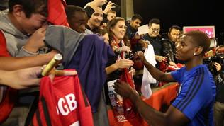 Manchester United, che svolta: vietati gli autografi ai tifosi