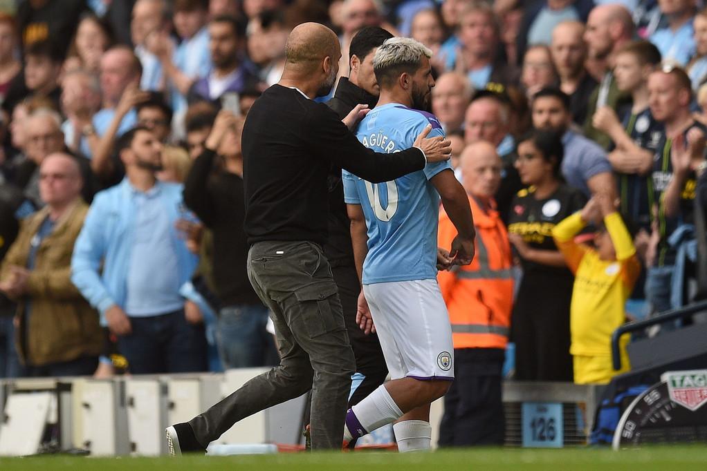 Discussione molto accesa tra Pep Guardiola e il Kun Agüero al momento della sostituzione effettuata dal tecnico al 21' del secondo tempo. di ...