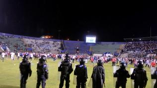 Guerriglia al derby in Honduras: quattro morti
