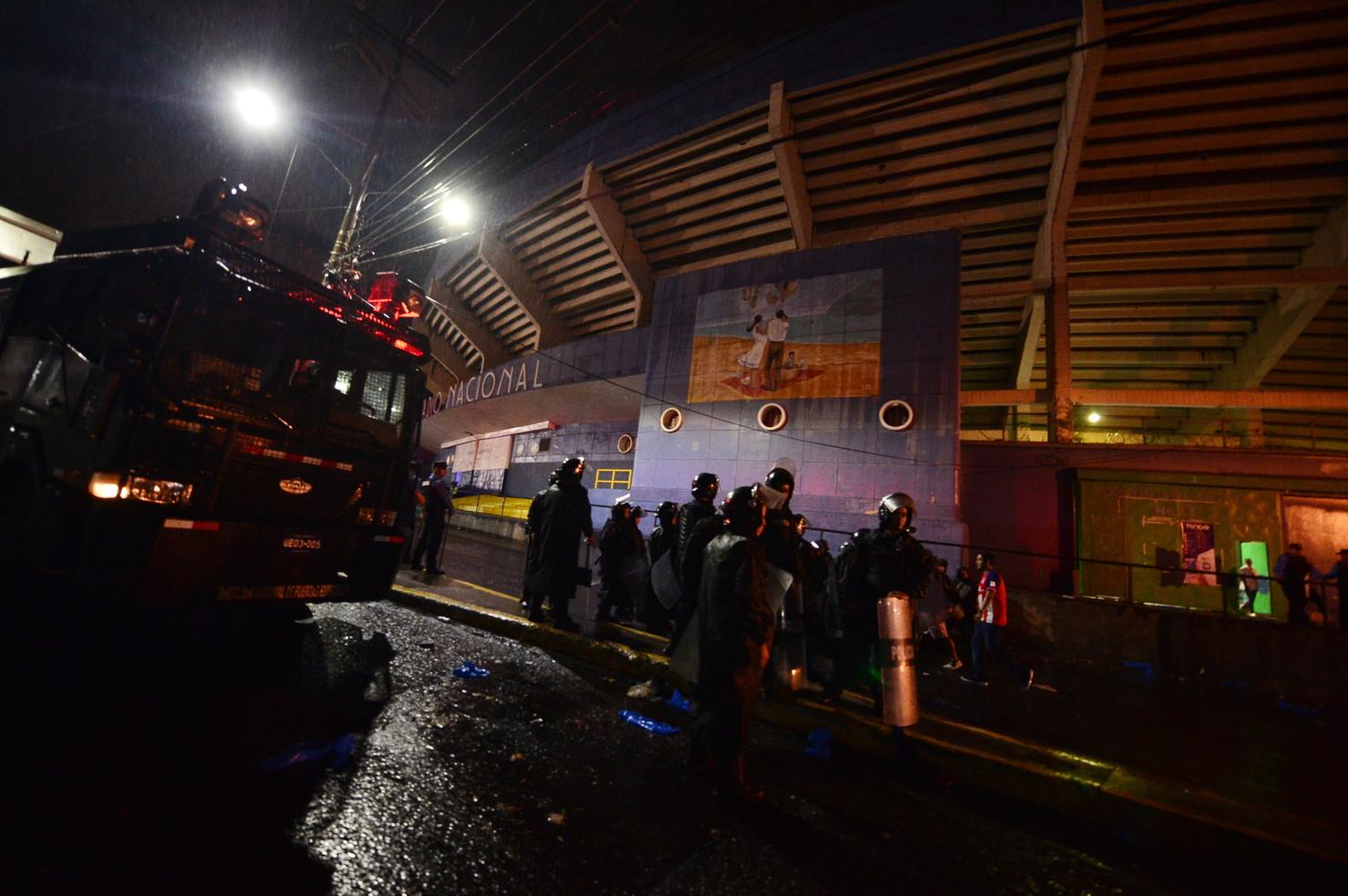 Morti e feriti per gli scontri tra le tifoserie di Olimpia e Motagua
