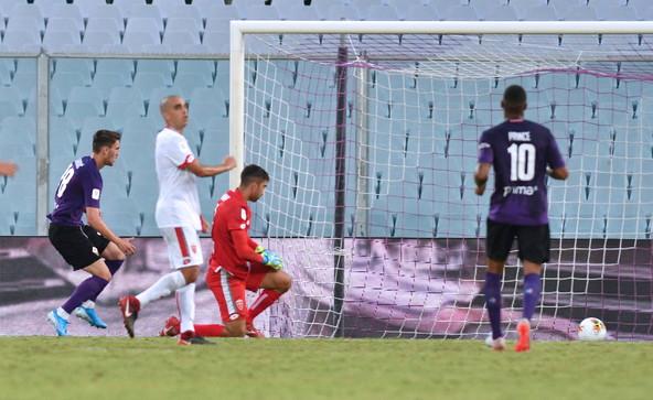 Fiorentina e Samp di rimonta, Cagliari avanti in 10. Bologna ok, Brescia e Verona fuori