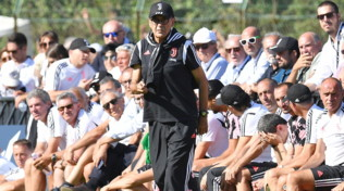 Juve, Sarri ha la polmonite: in dubbio l'esordio in panchina a Parma