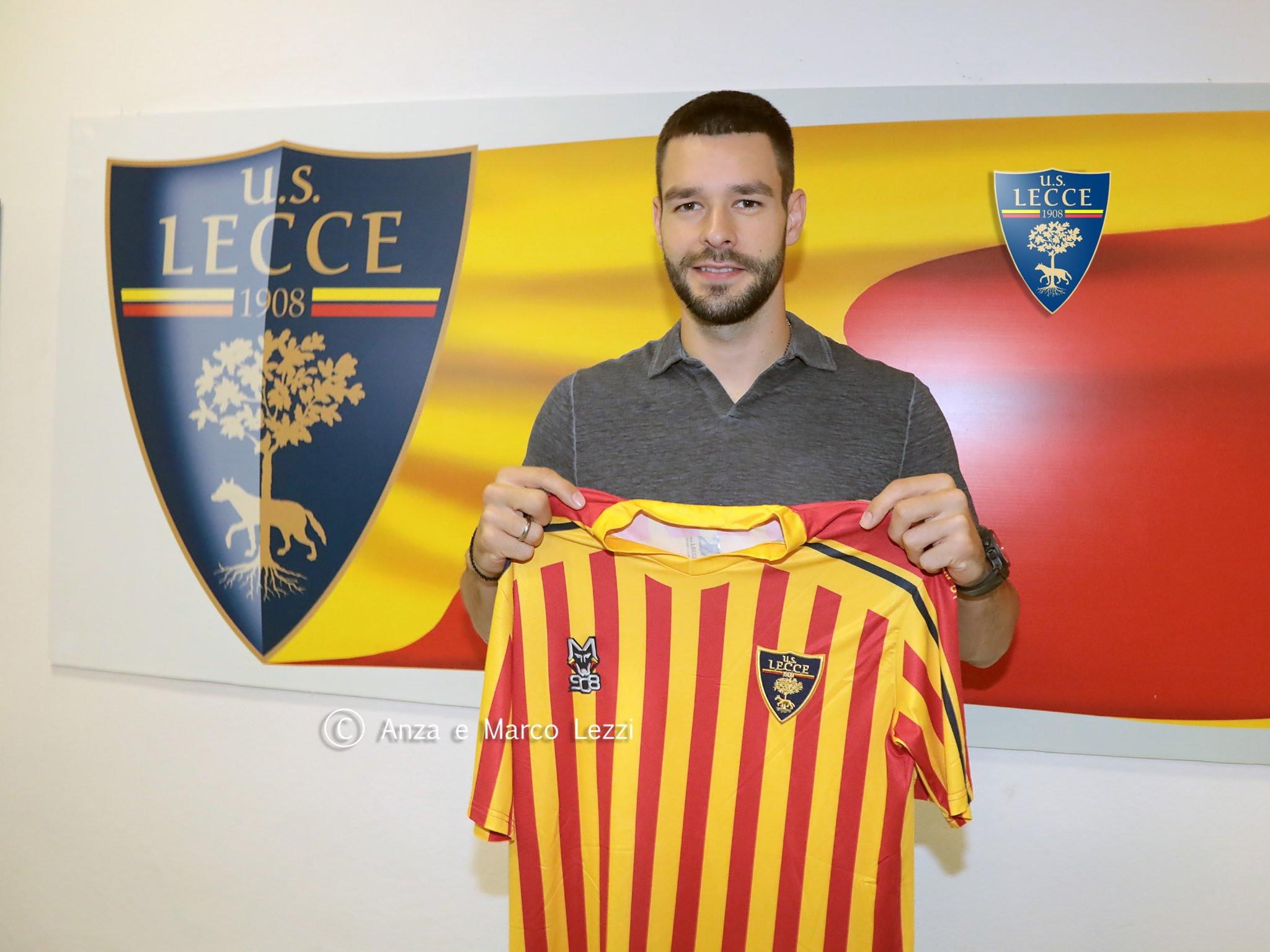 Yevhen Shakhov, centrocampista del Lecce arrivato dal Paok Salonicco