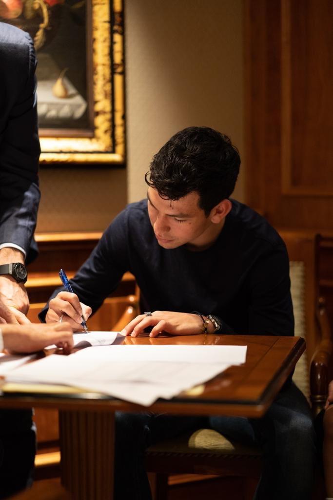 Il nuovo attaccante del Napoli si è allenato agli ordini di Ancelotti.