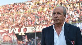 Serie B: Salernitana tris, Ventura parte alla grande. Pari Crotone, la Cremonese passa a Venezia