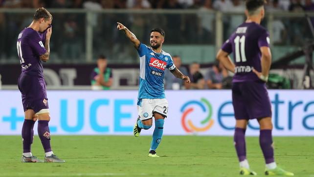 Gol, show e polemiche: il Napoli piega una bella Fiorentina