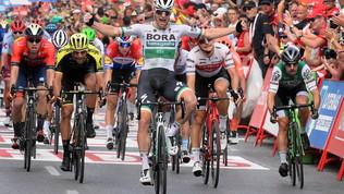Ciclismo, Vuelta: Bennett trionfa in volata, Roche rimane in maglia rossa