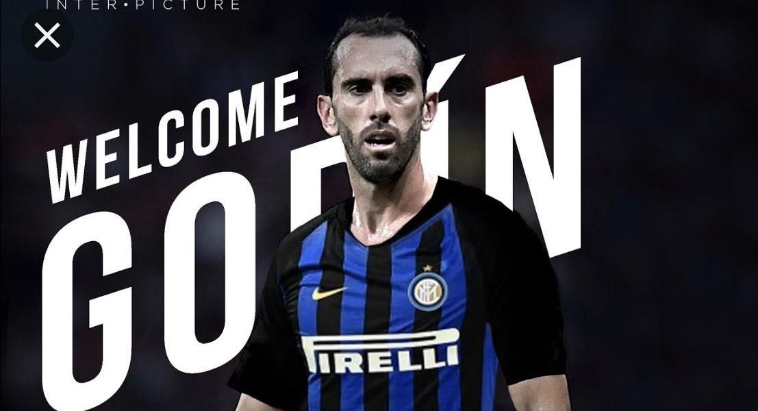 Diego Godin, difensore dell'Inter: infortunio muscolare, rientro a settembre