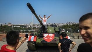 Champions League, un carro armato davanti allo stadio della Stella Rossa