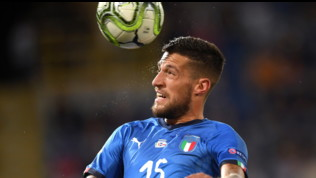 """Mercato Inter: ufficiale lo """"scambio"""" Biraghi-Dalbert con la Fiorentina"""
