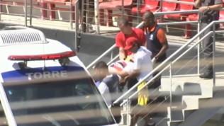 Brasile, tifoso precipita per 25 metri e piomba su ragazzina: entrambi illesi