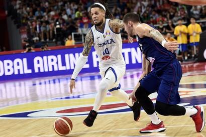 Grande prova di carattere degli Azzurri, ma Bogdanovic e compagni sono troppo forti. Al secondo turno le sfide con Spagna e Porto Rico saranno da vinc...