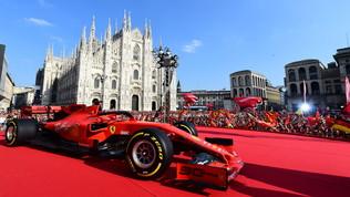 Milano, in Piazza Duomo la Festa per i 90 anni della Ferrari
