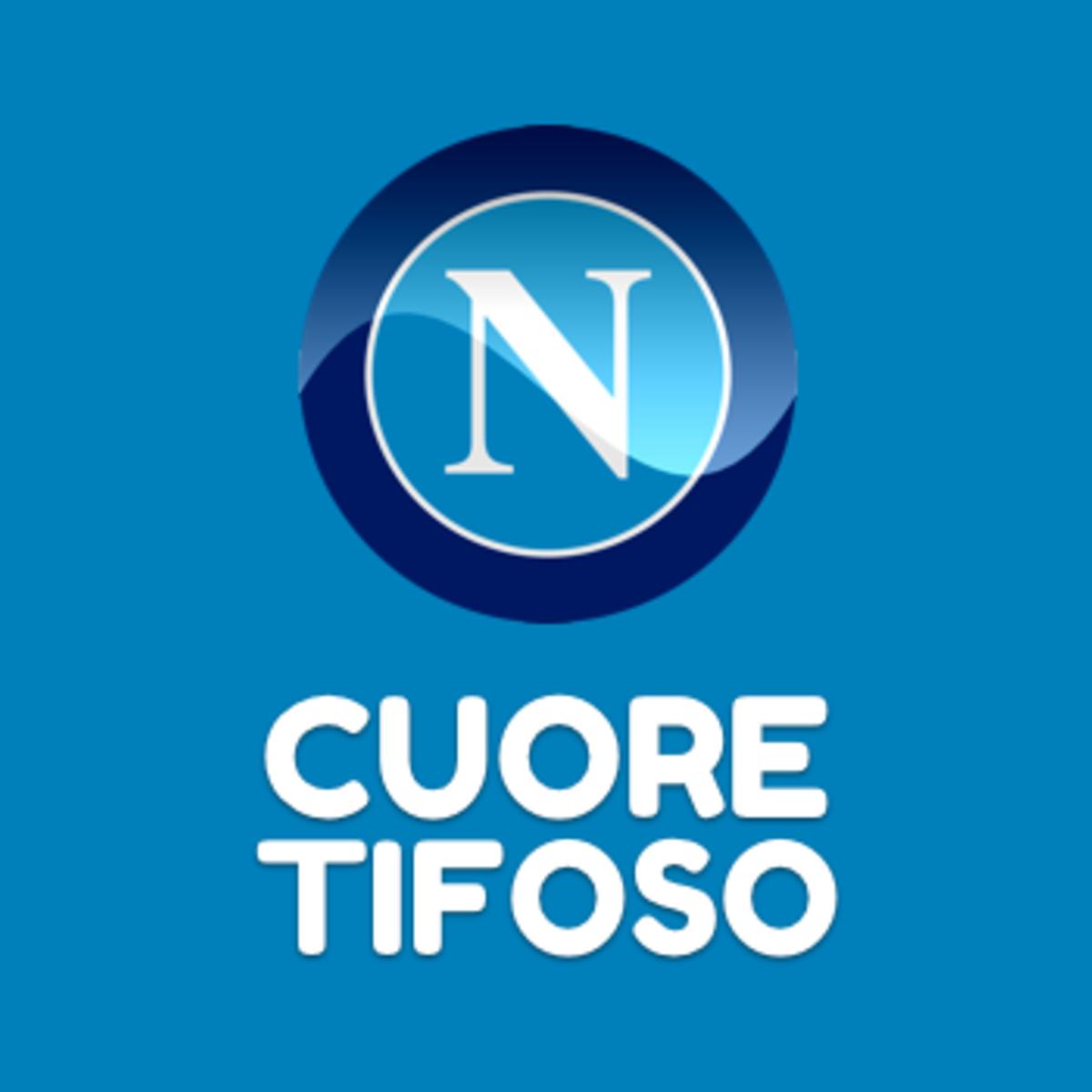 Cuore tifoso Napoli, Lozano non può più restare in panchina