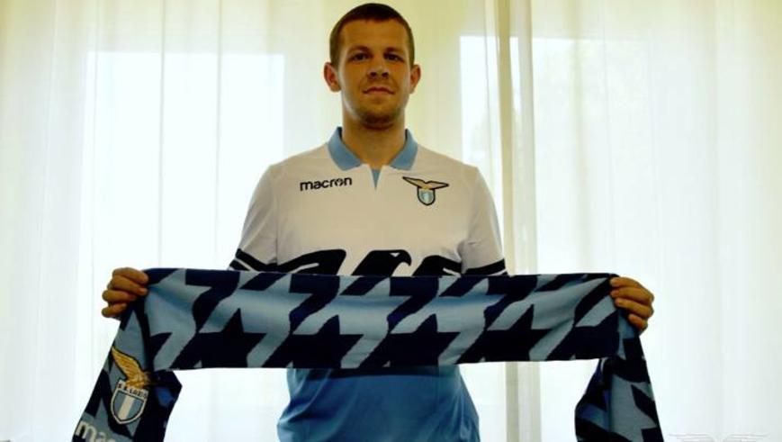 Vavro (Lazio) - Nel pre campionato si è parlato benissimo di lui e la vicinanza di Acerbi può fargli solo bene